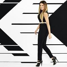 I don't like jumpsuits but I love this gold belt. Khloe Kardashian Outfits, Kardashian Style, Kardashian Jenner, Pretty Little Dress, Little Dresses, Paparazzi Fashion, Jenner Family, Jenners, Black Heels