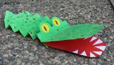 Roses originals i dracs creatius per treballar aquest Sant Jordi Preschool Crafts, Diy And Crafts, Crafts For Kids, Arts And Crafts, Art Projects, Projects To Try, Turtle Pond, Crocodiles, Animal Crafts