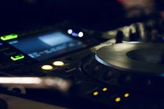 In our days the best DJ cd players in the market offer extremely useful and powerful features. There is one brand tho which rule them all.