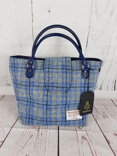 Your place to buy and sell all things handmade Handmade Shop, Etsy Handmade, Estilo Jackie Kennedy, Leather Gifts, How To Make Handbags, Purse Patterns, Harris Tweed, Blue Design, Tartan