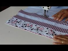 🙋🏻♀️ TRANSFORMANDO PANO DE PRATO.Do simples para a simplicidade.inf.desc.do vídeo 📽️ - YouTube Sewing Tutorials, Sewing Projects, Folding Fitted Sheets, Decorative Hand Towels, Fillet Crochet, Diy Scarf, Diy For Men, Patch Quilt, Craft Kits