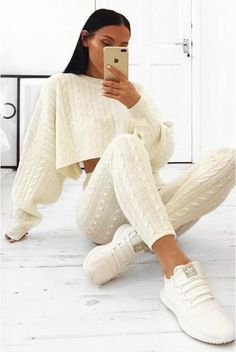 Two Piece Set Knitted Outfits Source by cute outfits Loungewear Outfits, Legging Outfits, Loungewear Set, Cute Lounge Outfits, Cute Comfy Outfits, Look Fashion, Fashion Outfits, Japan Fashion, Sweater Set