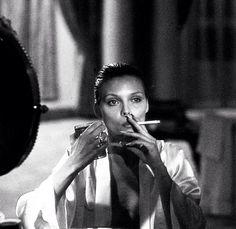 Michelle Pfeiffer in Scarface #halloween #inspo