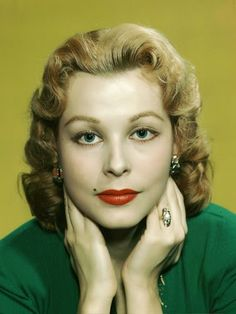 Vintage Glamour Girls: Arlene Dahl Arlene Dahl, Vintage Glamour, Famous Women, American Actress, Larry, Diana, Girls, Tv, Actresses