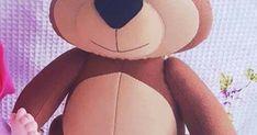 Urso Masha com molde Arts And Crafts, Teddy Bear, Pillows, Handmade, Diy, Animals, Felt Dolls, Bear Costume, Hand Puppets