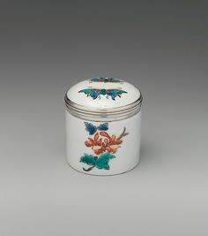 Pomade pot | French, Chantilly | The Met1735–40 Culture:French, Chantilly Medium:Tin-glazed soft-paste porcelain, silver