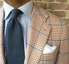 Plaid jacket, white shirt with light blue dress stripes, blue-grey tie