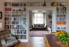 UK Victorian Full of Art & Vintage Style Ahh - the elusive cosy but not cluttered: Diana & Dominic's Art-filled Victorian — House Tour Bookshelf Design, Bookshelves Built In, Book Shelves, Bookcases, Bookshelf Wall, Built Ins, Living Room Decor, Living Spaces, Dining Room