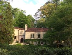 Lovely Buckhead house with Mediterranean flair via @Things That Inspire on Instagram