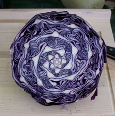 Curiosa Mathematica : Cabbage exhibits a beautiful geometric pattern