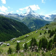 Hiking from Sunnega paradise to Zermatt through the Findeln