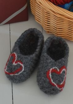 Tekstiiliteollisuus - teetee Taiga High Free Pattern, Baby Shoes, Slippers, Kids, Clothes, Design, Fashion, Young Children, Outfits