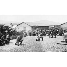 MARRUECOS. RINCÓN DE MEDIK (CEUTA). EL REGIMIENTO DE LANCEROS DEL PRÍNCIPE DURANTE LA BENDICIÓN DE LA CAPILLA DE CAMPAÑA REGALADA POR LA DUQUESA DE TARIFA:15/04/1922 Descarga y compra fotografías históricas en | abcfoto.abc.es