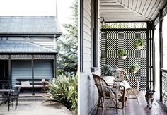 Steal This Look: A Rustic Porch and Summerhouse in Australia