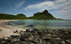 Vista da praia do Sueste, em Fernando de Noronha, onde turista foi atacado por tubarão.