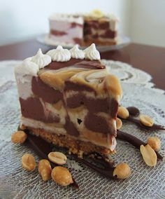 Vegan Peanut Butter Chocolate Banana Cheesecake