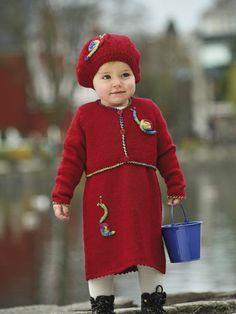 1001: Modell 22 Spenserkjole, kort jakke, lue og votter #strikk #knit #sisu