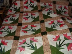 Carolina lily quilt top finally finished,now to quilt it.