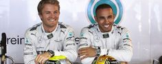 Les deux coéquipiers Mercedes Nico Rosberg et Lewis Hamilton Alain Prost, Jackie Stewart, Nico Rosberg, Mercedes Amg, Grand Prix, Petronas, F1 News, Street Smart, Lewis Hamilton