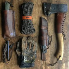 """""""Mi piace"""": 1,293, commenti: 6 - Raven (@raven_survival) su Instagram: """"Double tap if you like these woodman's tools. @scablands_bushcraft"""""""