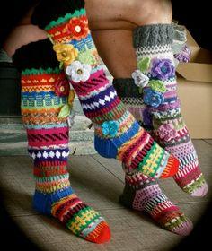 Knitted stockings - WILD!!!  https://www.facebook.com/Anelmaiset/ http://www.ravelry.com/patterns/library/anelmaiset
