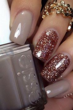 The Best Nail Art Designs – Your Beautiful Nails Simple Nail Art Designs, Toe Nail Designs, Beautiful Nail Designs, Beautiful Nail Art, Gold Glitter Nails, Sparkle Nails, Glitter Art, Winter Nail Art, Winter Nails