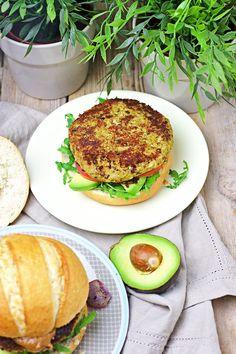Veggie Burger with Cauliflower #vegan #glutenfree www.contentednesscooking.com