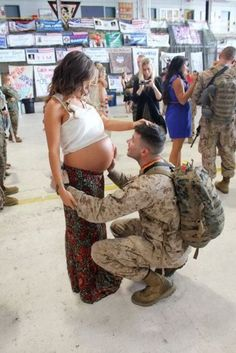 Pregnant Soldier's Wives and Daddy-to-be Soldiers.. <3 <3