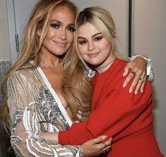 Selena Gomez / Jennifer Lopez Cool Music Videos, Good Music, Look At Her Now, Selena Gomez Pictures, Marie Gomez, Boris Johnson, Black Knees, Jennifer Lopez, Her Hair