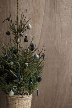 Nordic-style Christmas tree via Broste Copenhagen.