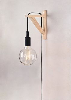 Plug In Wall Sconce, Wall Sconces, Wooden Brackets, Lampe Decoration, Wooden Lamp, Paint Colors For Living Room, Bedside Lamp, Diy Wall, Bulb