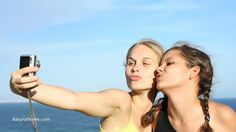 """If you enjoy taking """"selfies,"""" you could be a psychopath. (NaturalNews) Some would contend that it's nothing but an irritating fad spurred on by a growing phenomenon of self-obsession and narcissism. But the act of taking """"selfies,"""" or self-snapped photos of oneself typically for the purpose of plastering all over social media, may actually be indicative of a serious mental condition."""