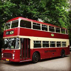 #red #redoftheday #todayisred #colourred #instared #rood #vandaagisrood #mooiroodisnietlelijk #everyday #project2017 #bus #bristolvr #vintagebus #1978 #eastyorkshire #eastyorkshirebus #prom #daughter #internationalschoolhilversum #ish #hansclassiccars