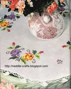 شغل ابره NEEDLE CRAFTS: مفارش ايتامين بحروف كروشيه - cross stitch & crochet doilies' pattern