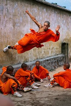 Monk Parkour photo by Steve McCurry
