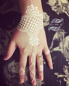 #whitehenna #hennatattoo #hennadesign #brunhenna #hennaisverige #henna #hennaartist #hennawedding #hennaart #hennanight #hennatattoos #hennalove #hennastain #hennafun #hennamehndi #hennainspire #hennainspire #tattoo #tattoos #tattooedgirls #tatoo #tatuering#sverigetatuering #södetäljetjejer #sverige #malmötatoo#Linköpingsbröllop #linköpingsbutik #linköpingsfrisör #linköpingsfest