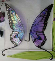 Ginormous Butterfly Wings by FaeryAzarelle on deviantART (pic only)