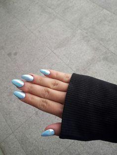 Nails acrylic blue