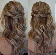 Peinado romantico de medio recojido, sin duda un look que saca de apuros para cualquier ocación.