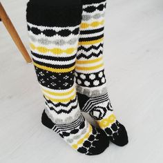 Wool Socks, Knitting Socks, Knitting Projects, Knitting Patterns, Knit Art, Sock Toys, Yarn Thread, Marimekko, Keep Warm