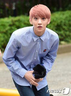 Joshua<- he looks like a grapefuit. I sudddenly want to eat frapefruit and i dont even like it.