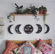 45 Inspiring Plants Ideas In Bedroom Decor - Zimmer Dekoration Decoration Bedroom, Diy Home Decor, Wall Decor, Bedroom Decor Boho, Vintage Bedroom Decor, Easy Diy Room Decor, Wall Art, Unique Home Decor, Vintage Decor