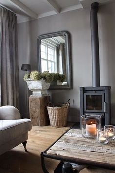 Like the wooden 'plinth' to give height to hydrangea trug Grey déco /Martine Haddouche/ schouw Living Room Grey, Home And Living, Living Room Decor, Living Spaces, Living Area, Living Room Inspiration, Interior Inspiration, Interior Minimalista, Home And Deco