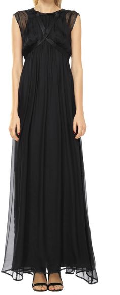 With its clever mix of romantic and subversive, this is the dress to be seen in. The floor grazing silhouette, with an empire waist and soft shirred texture Chiffon Dress Long, Silk Chiffon, Dresses For Work, Prom Dresses, Formal Dresses, Bohemian Beach Wedding, Latest Trends, Fashion Beauty, Casual