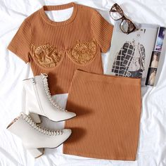 Love Fashion, Fashion Outfits, Womens Fashion, Cute Sleepwear, School Fashion, Mix Match, Bell Sleeve Top, Cute Outfits, Mini Skirts