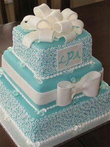 ...For this Tiffany & Co styled cake for my wedding. Something blue!