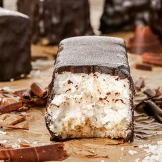 These raw vegan chocolate covered coconut bars are full of wholesome, plant-based ingredients, super healthy, and incredibly delicious. Sour Cream Coconut Cake, Best Coconut Cake Recipe, Vegan Coconut Cake, Coconut Bars, Coconut Recipes, Raw Coconut, Coconut Dream, Vegan Recipes, Raw Vegan Desserts