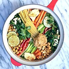 One Pot Wonder Thai Style Peanut Pasta Recipe -- I'm obsessed with one pot pasta dishes. They make for such easy and delicious weeknight meals! Pasta Recipes, Cooking Recipes, Pasta Meals, Pasta Food, Recipe Pasta, Vegan Pasta, Pot Recipe, Pasta Cake, Dinner Recipes