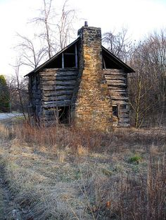 Log House near Dawson, PA by Equinox27, via Flickr- look at the size of that hearth! How warm and comforting it must have been on cold winter nights.