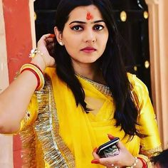 Rajasthani Bride, Rajasthani Dress, Rajputi Dress, Pic Pose, Hand Work Embroidery, Royal Dresses, Bridal Show, Traditional Wedding, Wedding Season